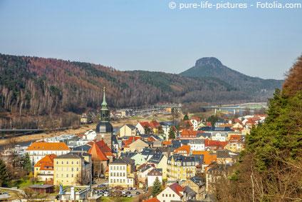 Blick über die Stadt Bad Schandau mit seinen Häusern