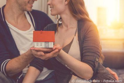 Paar beim Hauskauf in Neustadt in Sachsen