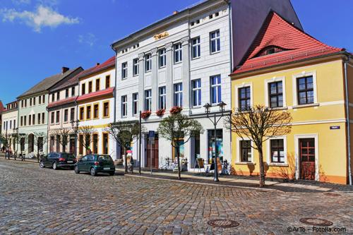 Immobilien direkt am Markt in Hoyerswerda im Sommer
