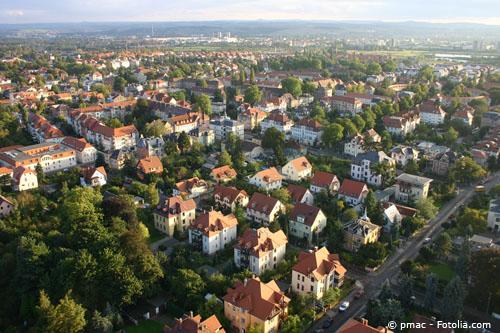 Ein Blick über Laubegast und seinen zahlreichen Wohnungen zur Miete