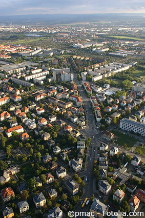 Blick auf die Altenberger Straße mit Ihren Mietwohnunen in Dresden Seidnitz.